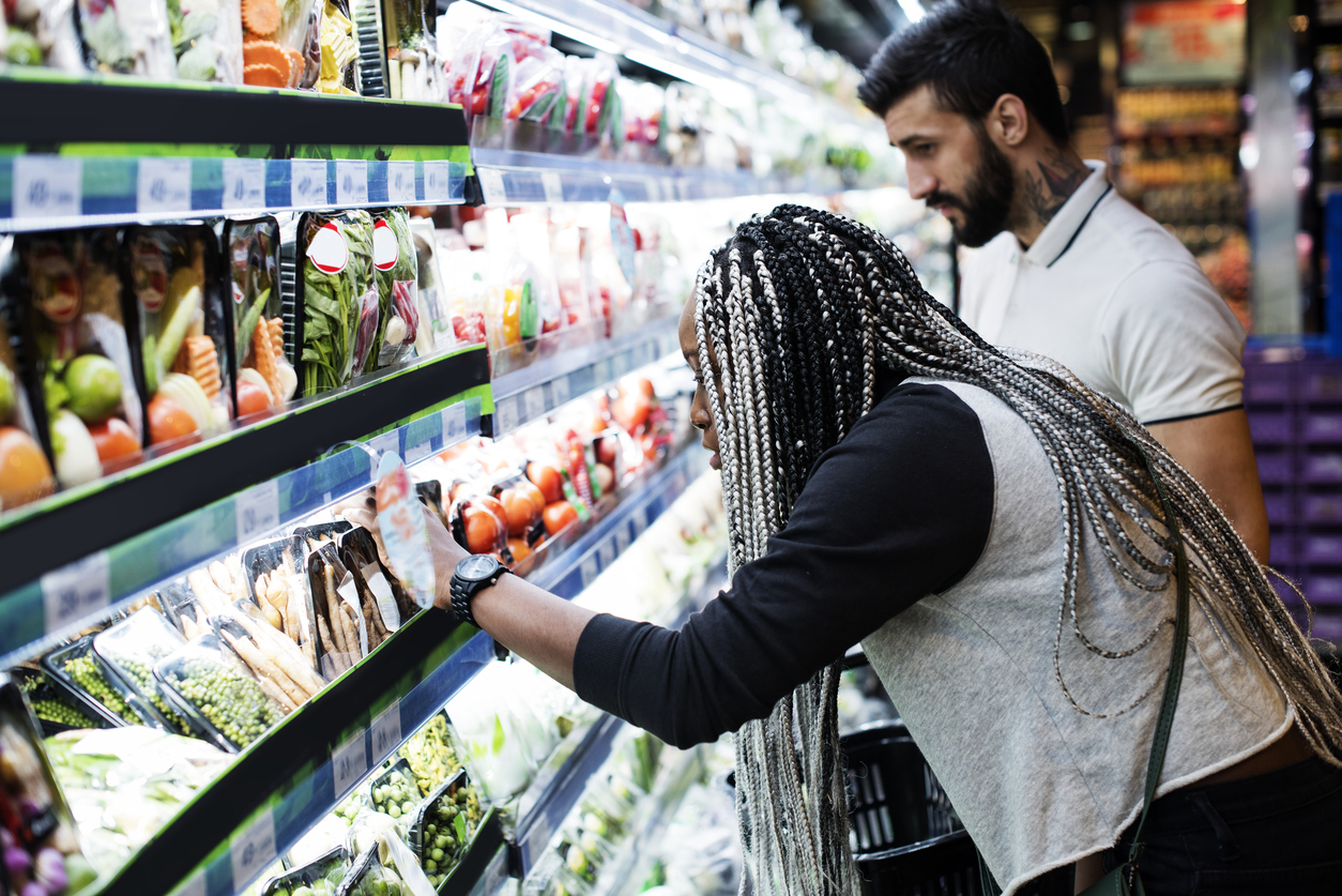 couple shopping for food